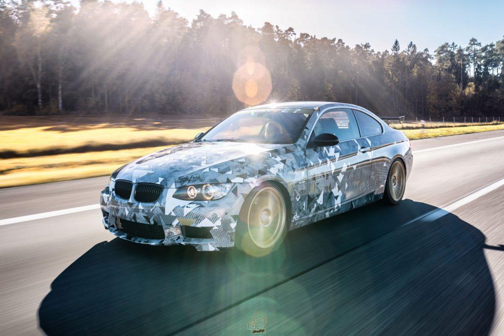 BMW E92 335i – Digital Pixel Camo Grau